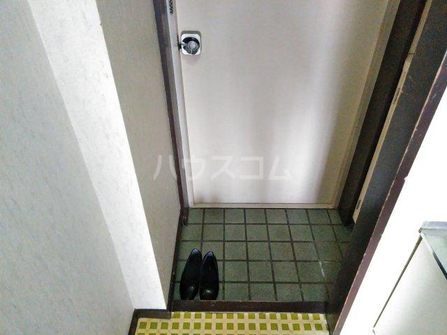 ハイライフ嵯峨 213号室の玄関