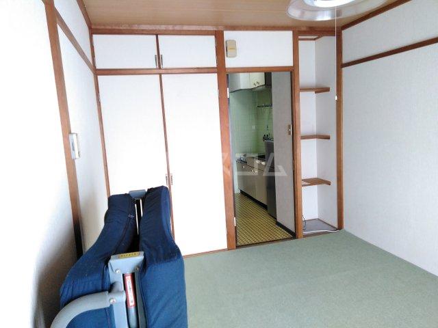 ハイライフ嵯峨 413号室のベッドルーム