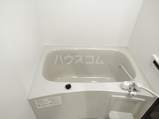 エスカーサ京都四条梅津 401号室の風呂