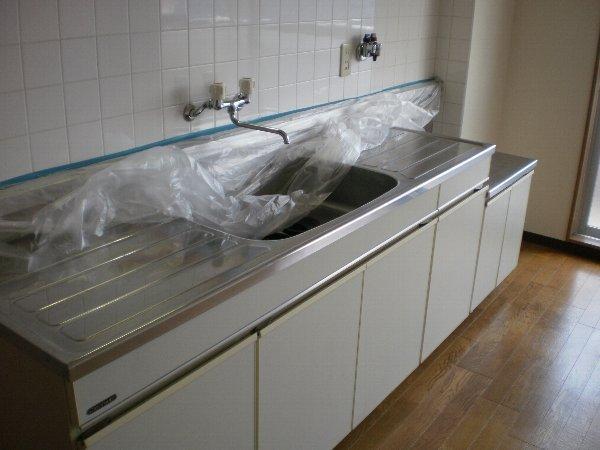 ヴァンヴェール小泉 205号室のキッチン