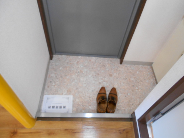 ラメールⅢ 205号室の玄関