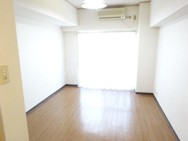 RIN,Sコーポラティヴハウス 307号室のリビング