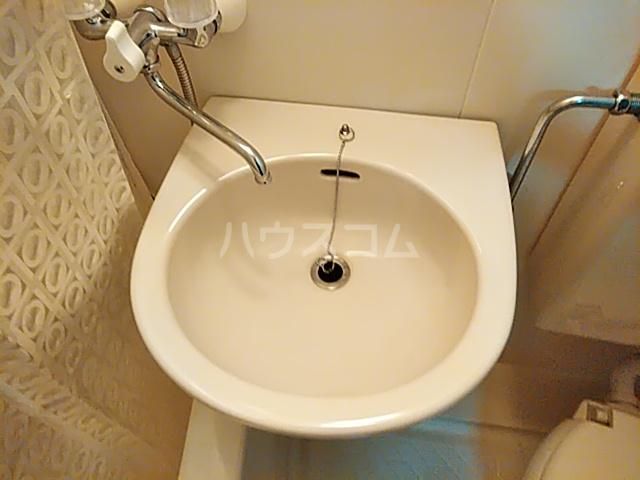 リバティー 201号室の洗面所