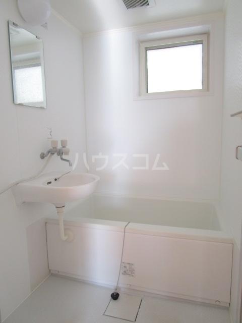 貫井北町5丁目 2F号室の洗面所