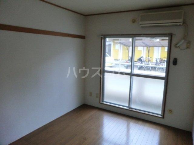 エクセルハイム平山 205号室の居室