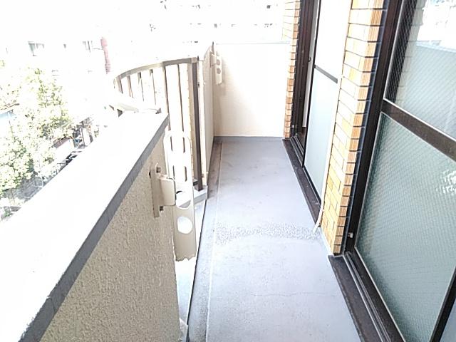 りきゅうハイツ 303号室のバルコニー
