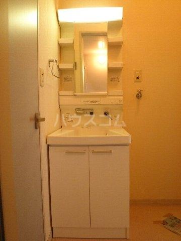 ベル・キャビンA棟 101号室の洗面所