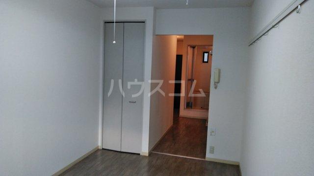ウエストサイドコート 102号室の居室