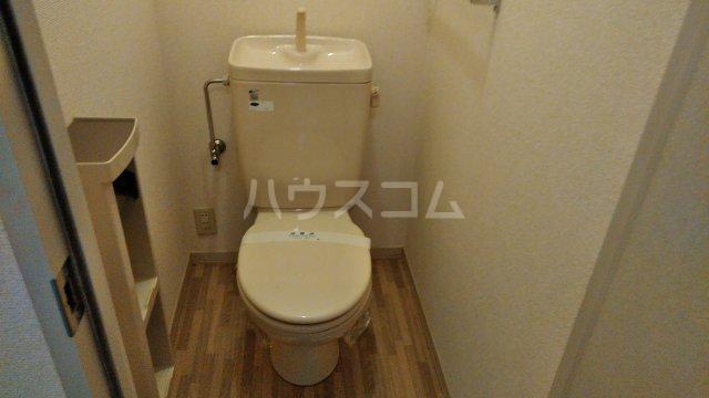 ウエストサイドコート 102号室のトイレ