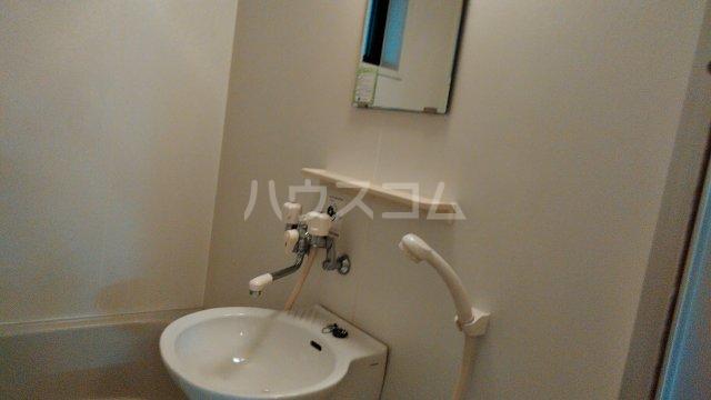 ウエストサイドコート 102号室の洗面所