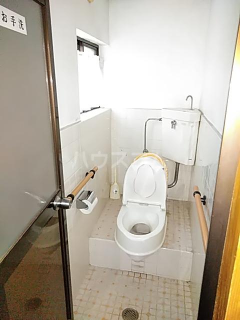 西京極店舗付き住宅のトイレ