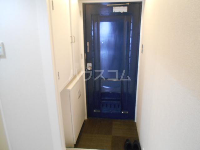 コーポオータ 210号室の玄関