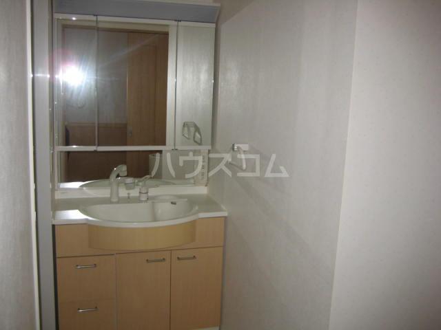 パインフィールド五条 301号室の洗面所