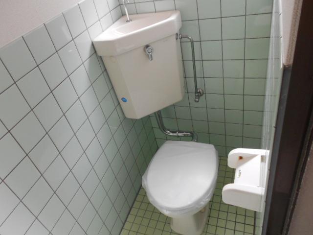 ヤマニ荘 20号室のトイレ