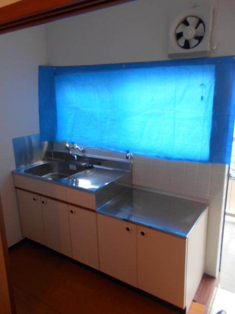 ヤマニ荘 20号室のキッチン