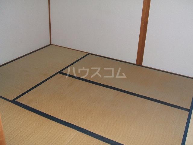 ハウスハクラクⅡ 202号室の居室
