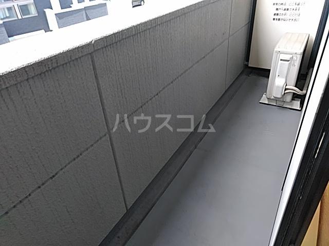 エクセ・コート 202号室のバルコニー
