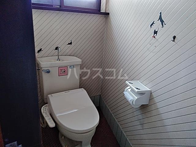 桂久方町店舗付き住宅のトイレ