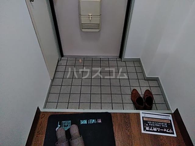 あすなろ館 0001A号室の玄関