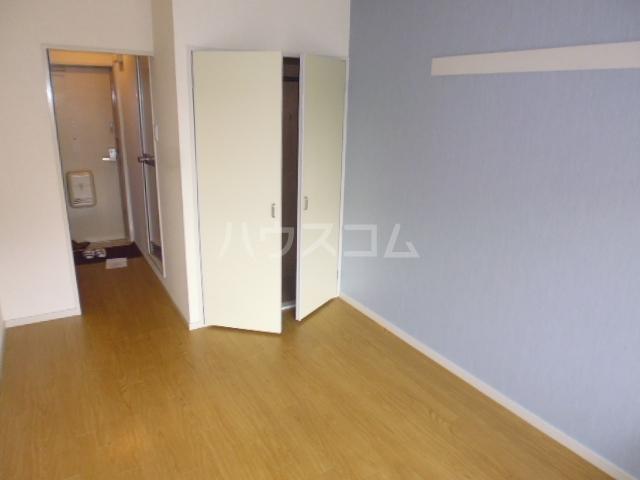 第46長栄MKフレグランス桂 104号室のベッドルーム