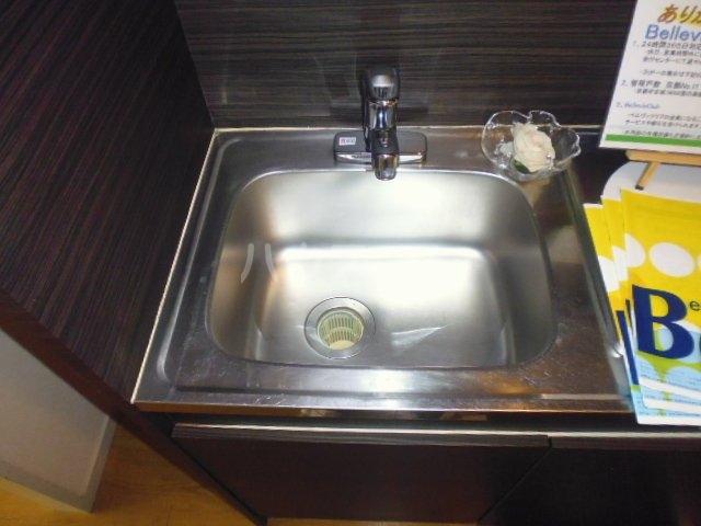 第46長栄MKフレグランス桂 104号室のキッチン