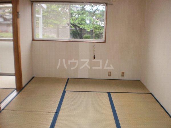 長曽ハイツⅠ 8号室の居室