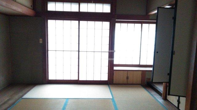 桂下豆田町貸家の居室