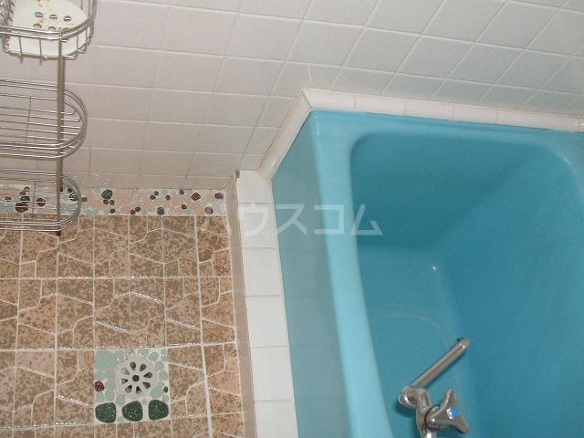 三幸荘 2F-13号室の風呂