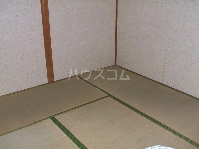 三幸荘 2F-13号室の居室