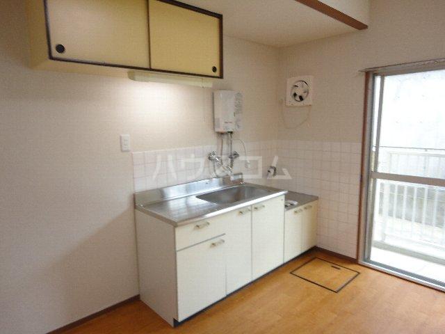 コーポ嵯峨野 105号室のキッチン
