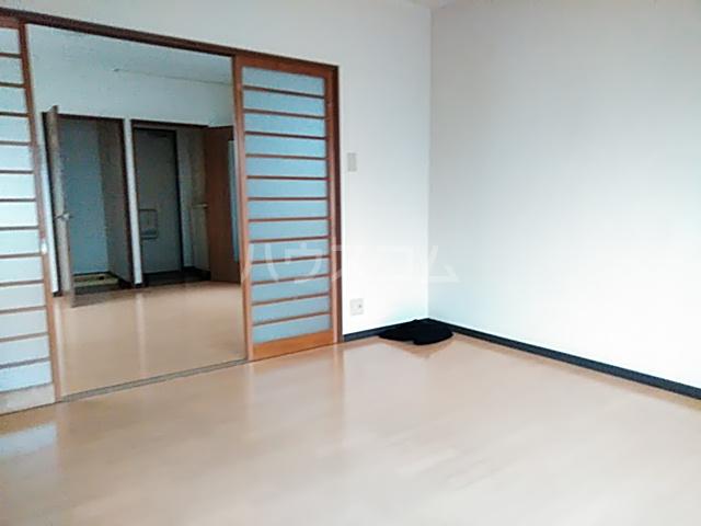 ドミトホ 201号室の居室