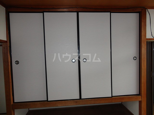 マンション千丈 202号室の収納