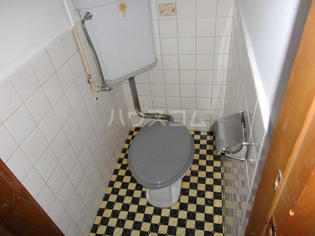 マンション千丈 202号室のトイレ