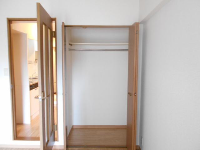 グリーンコートランザン 203号室の収納