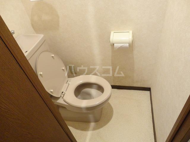 パルテール桂 106号室のトイレ