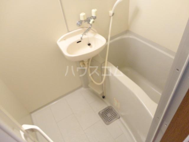 パルテール桂 106号室の風呂