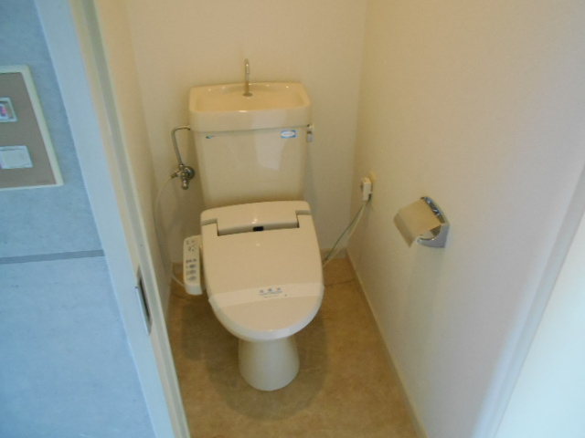 ノアーズアーク京都朱雀 1101号室のトイレ