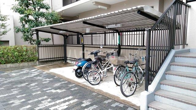 サンシティ桂坂ロイヤル弐番館 417号室のベッドルーム