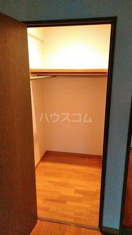 サンシティ桂坂ロイヤル弐番館 417号室の収納