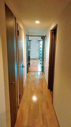 サンシティ桂坂ロイヤル弐番館 417号室のロビー