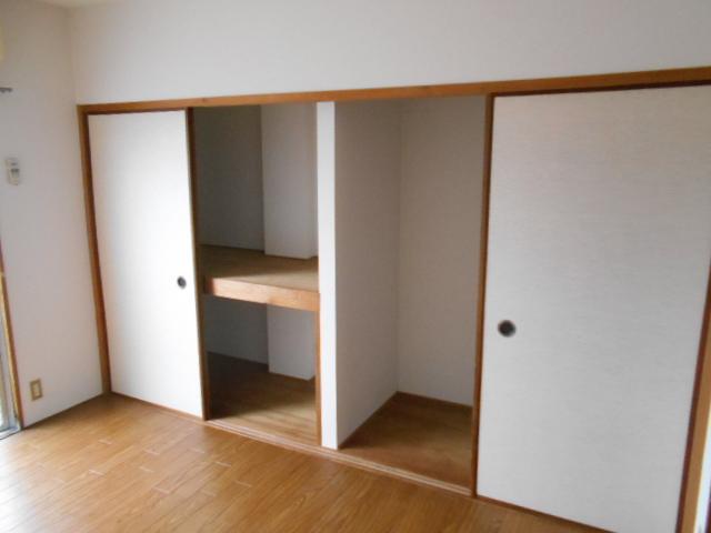 コーポアネモス 205号室の収納