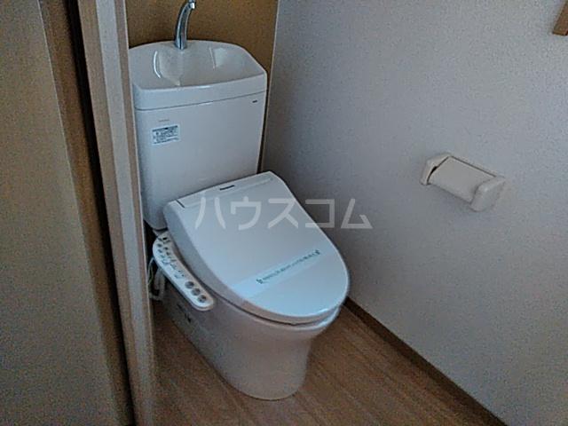 シェモア 101号室のトイレ