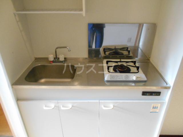 クオリティ嵯峨野 107号室のキッチン