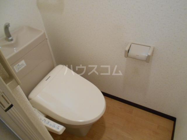 クオリティ嵯峨野 107号室のトイレ