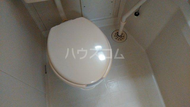 清明ハイツ 105号室のトイレ