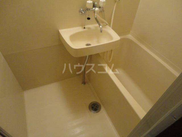ベルコート94 101号室の洗面所