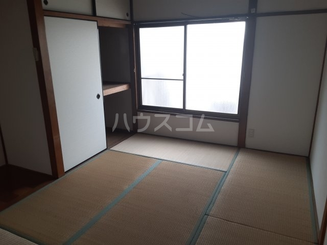 樫原平田町貸家の居室
