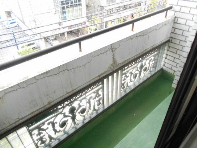 中川第6コーポ 203号室のバルコニー