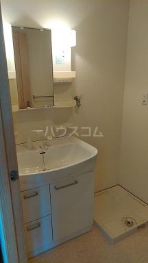 ヴィラ・エトワール 302号室の洗面所