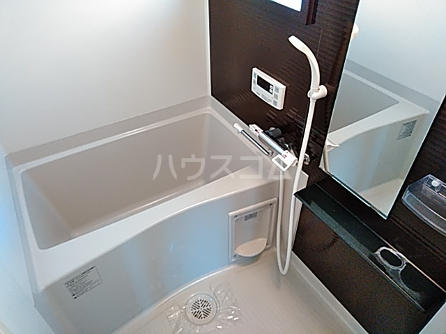 フォレスト西大路五条 304号室の風呂